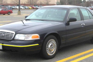 Ford-Crown-Victoria-001