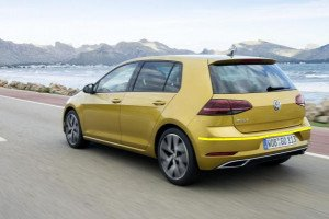Volkswagen-Golf-002