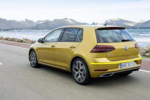 Volkswagen-Golf-002