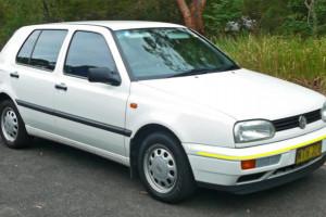 Volkswagen-Golf-010
