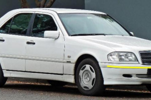 Mercedes-Benz-c-200-w202