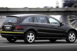 Mercedes-benz--r320