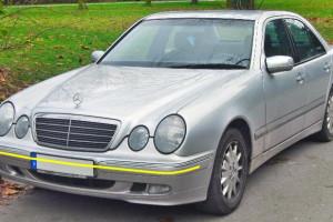 Mercedes-benz-E-320-W210
