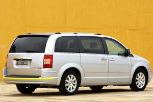 Chrysler-Grand-Voyager
