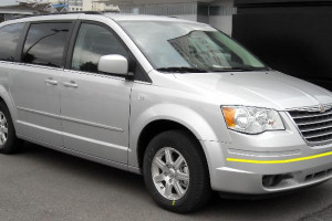 Chrysler-grand-voyager-002