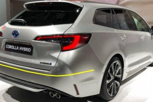 Toyota-Corolla-Touring-sport-002