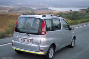 Toyota-Yaris-verso-2001