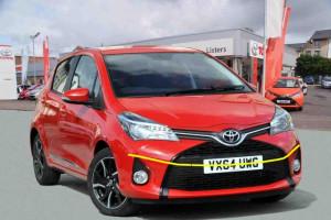 Toyota-yaris--2014