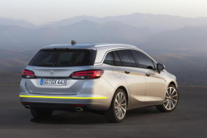 Opel-Astra-Sports-Tourer-001