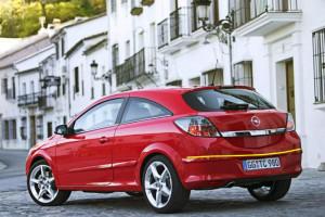 Opel-Astra-gtc-coupè