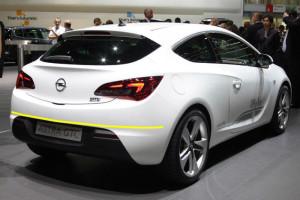 Opel-astra-J-GTC