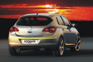 Opel-astra-post