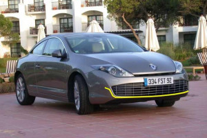 Renault-Laguna-coupe