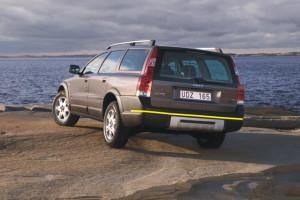 Volvo-xc70--