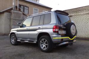 Mitsubishi-Pajero--Pinin