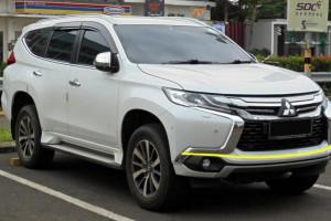 Mitsubishi-Pajero-010