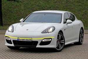 Porsche-Panamera--S