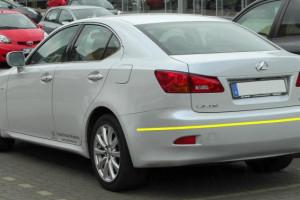 Lexus-IS-220