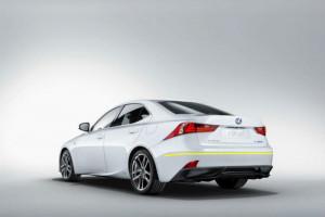 Lexus-IS300-h
