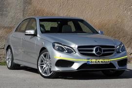 Applicazione sensore antenna dietro targa - Mercedes